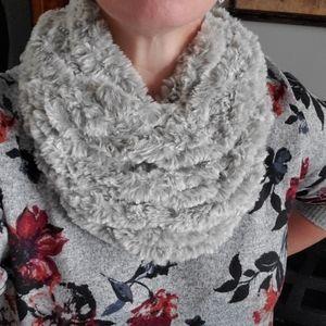 SOFTEST EVER Faux Fur arm knit scarf cowl!!